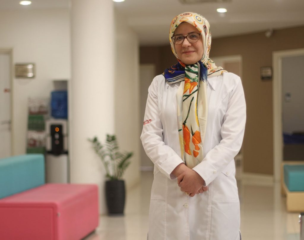 مطب دکتر آرزو خسرو متخصص قلب و عروق